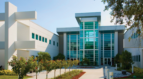 Palm Beach Gardens campus photo
